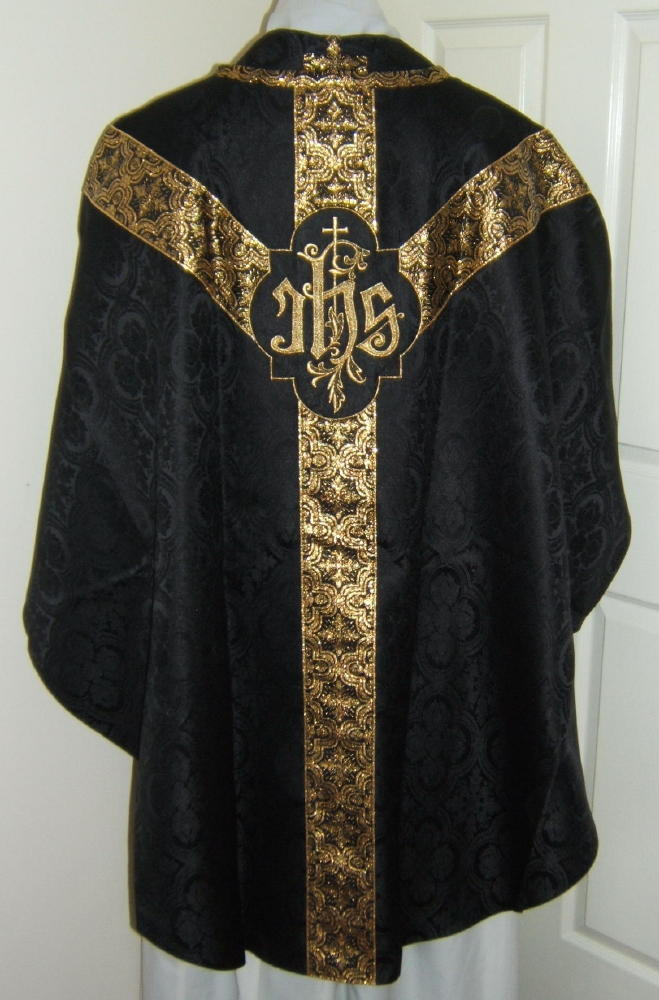 http://www.luzarvestments.co.uk/newlmsg001_pages/GL001%20BGb.jpg